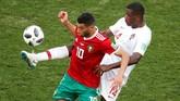 Gelandang Maroko Younes Belhanda sebenarnya tampil cemerlang. Sayang, sejumlah peluang yang dimiliki maasih mampu dimentahkan Rui Patricio.(REUTERS/Christian Hartmann)