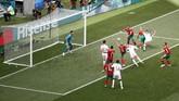 Cristiano Ronaldo mencetak gol cepat di menit keempat sekaligus mengantar Portugal menang 1-0 atas Maroko. Ini menjadi gol keempat pemain Real Madrid tersebut usai menorehkan hattrick ke gawang Spanyol. (REUTERS/Christian Hartmann)