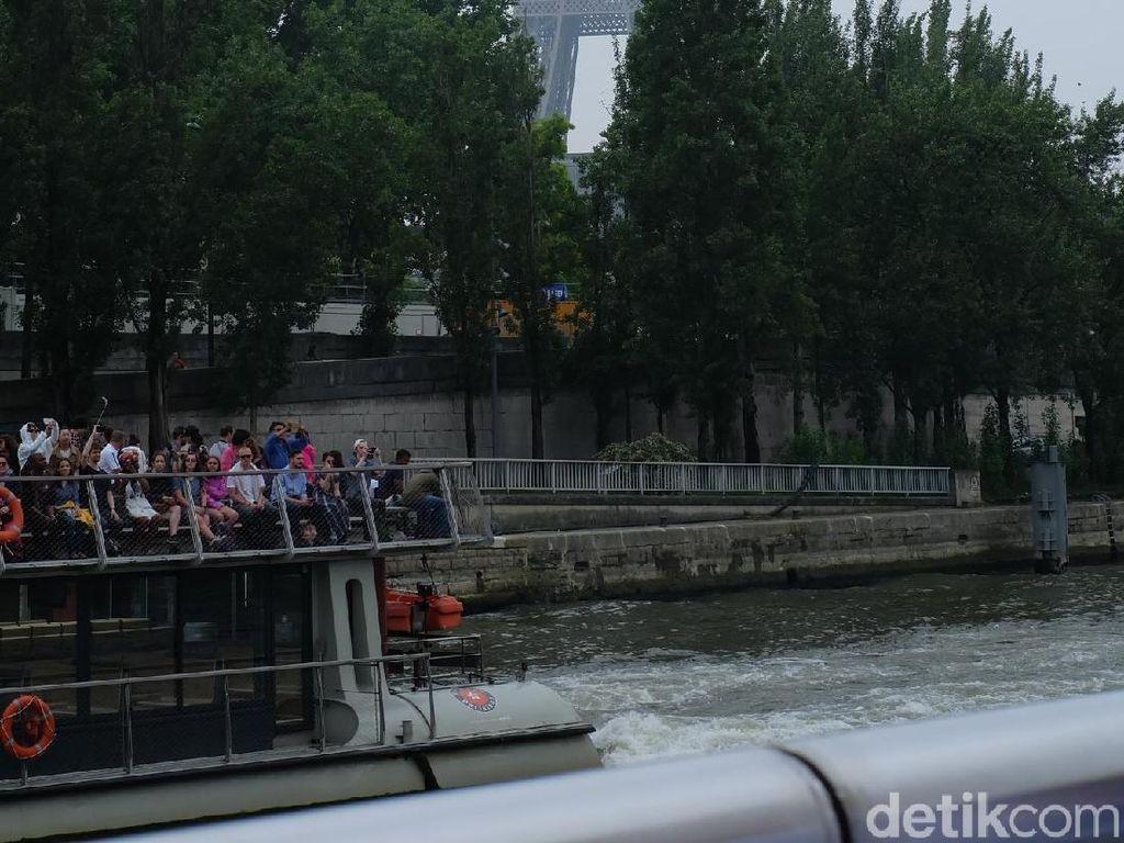Menikmati Indahya Paris Sambil Menelusuri Sungai Seine