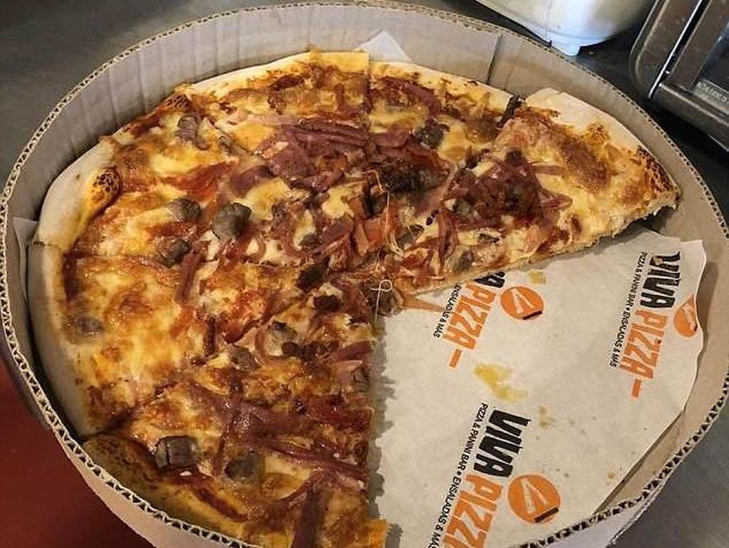 Ini 10 Kreasi Unik Gerai Pizza untuk Bahagiakan Pelanggan