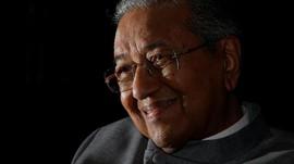 Kerap Pencitraan, Mahathir Janjikan Najib Razak Segera Dibui