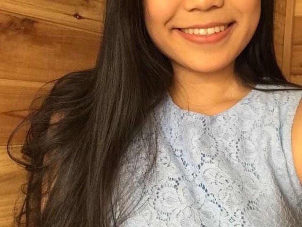 Dibuang Sayang, Kocaknya Remaja Pakai Gaun Wisuda Sebagai Baju Mandi