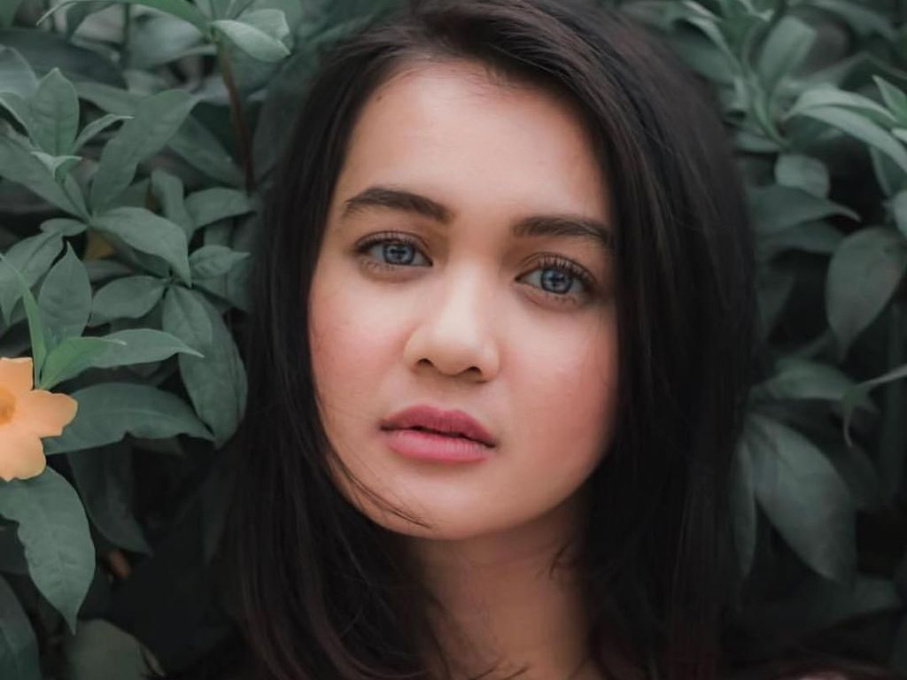 10 Potret Dhea Imut yang Makin Dewasa Makin Cantik
