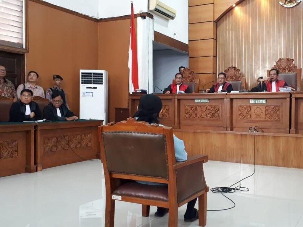 Foto: Detik-detik Jelang Sidang Vonis Aman Abdurrahman