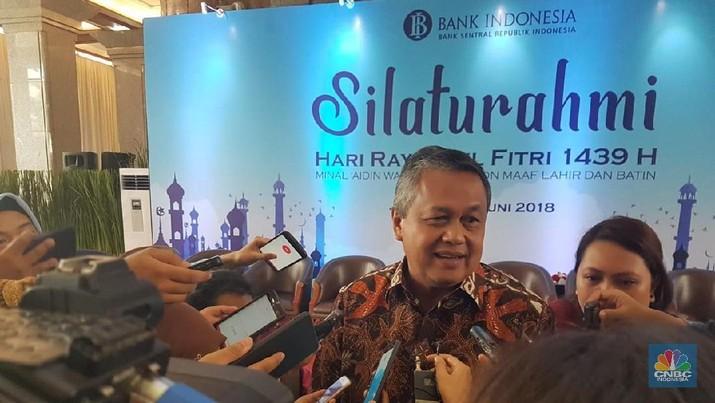 Bank Indonesia (BI) merevisi proyeksi surplus neraca perdagangan Juni 2018 menjadi lebih dari US$ 1 miliar.