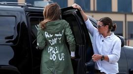 Perusahaan Baju AS Buat Jaket 'Jawaban' Melania Trump