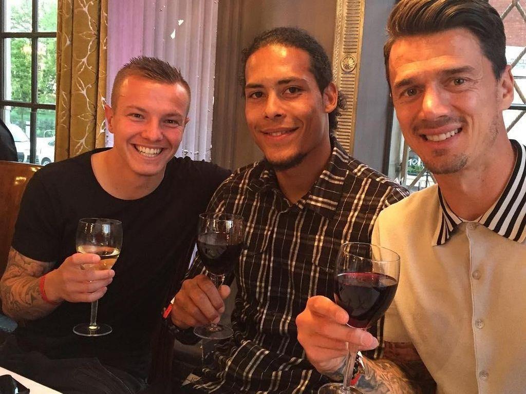 Ini 10 Gaya Keren Pesepak Bola Portugal Jose Fonte Saat Makan