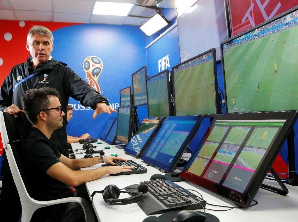 Unjuk Gigi Teknologi VAR di Laga Piala Dunia 2018