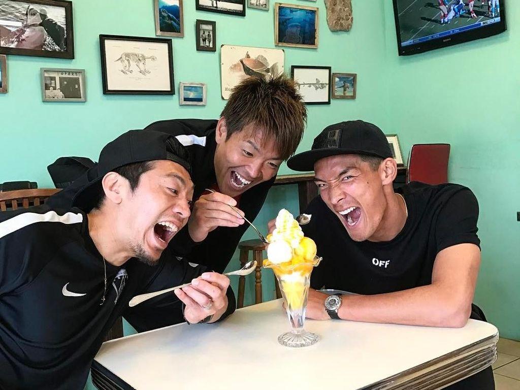 Dari Timnas Jepang, Ada Tomoaki Makino yang Hobi Makan Bareng Teman!