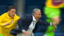 VIDEO: Cuplikan Perayaan Gol Menyakitkan untuk Pelatih Brasil