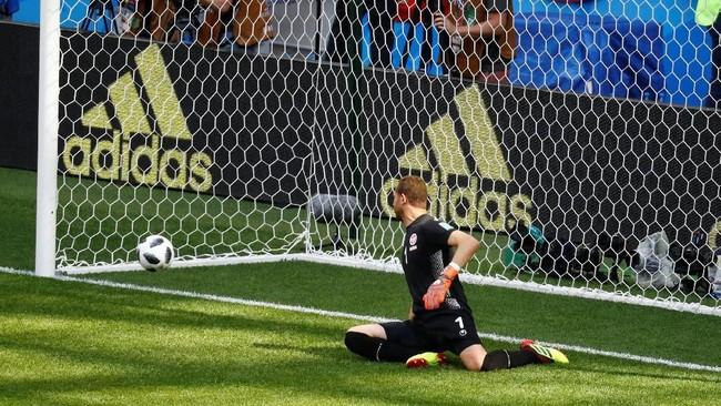 Gol penalti tersebut sekaligus membuka pundi-pundi gol Hazard di Piala Dunia 2018. Ketika Belgia menang 3-0 Panama, Hazard tidak mencetak gol. (REUTERS/Kai Pfaffenbach)