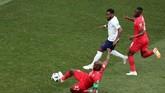 Tanpa terduga, Panama berhasil memperkecil ketinggalan. Felipe Baloy membobol gawang Pickford setelah menyambat tendangan bebas dari luar kotak penalti. (REUTERS/Ivan Alvarado)