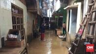 Sempat Tergenang, Banjir di Kampung Melayu Mulai Surut
