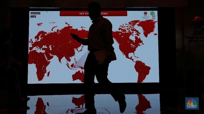 Perekonomian global saat ini cenderung melambat, yang ditunjukkan oleh ekonomi Italia dan Hong Kong yang resmi mengalami resesi.