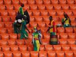 Aksi Terpuji Suporter Jepang dan Senegal Punguti Sampah