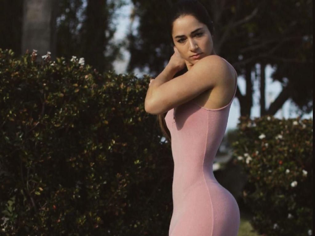 Foto: Selebgram Cantik yang Dijuluki Pemilik Bokong Terindah di Instagram