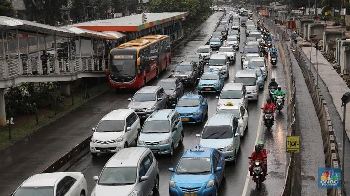 Jokowi Sebut Macet Bikin Rugi Rp 65 T, Apa Solusinya?