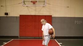 Kakek di China Rutin Berolahraga ala Macan Tutul