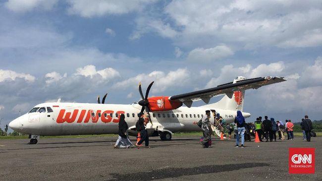 Tabrak Lampu Bandara Halmahera Utara, Wings Air Batal Terbang