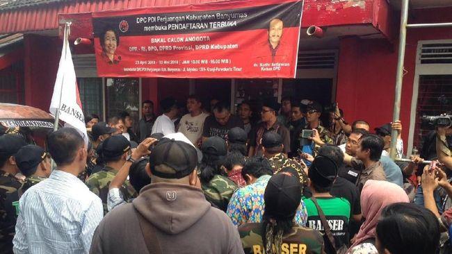 Kantor PDIP Banyumas Digeruduk Banser dan FPI