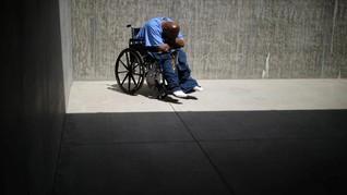 FOTO: Merawat Tahanan Lansia di  Penjara California