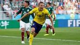Gol tersebut mengangkat kepercayaan diri pemain-pemain Swedia. Mereka lebih berani menekan Meksiko usai momen tersebut. (REUTERS/Andrew Couldridge)