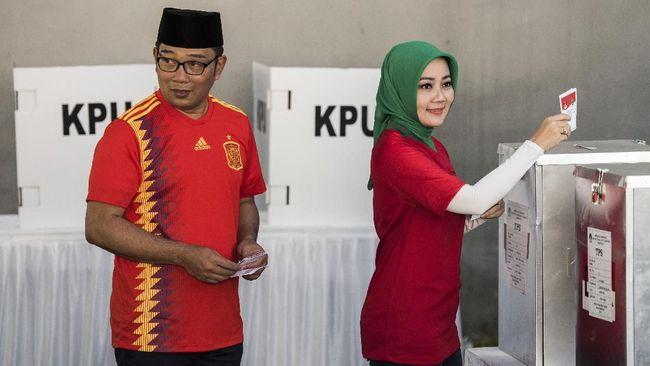 Ridwan Kamil Janji Bantu Guru Dipecat karena Pilih 'Rindu'