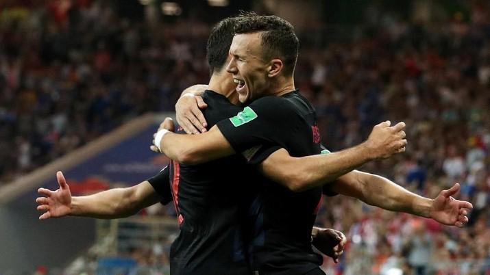 Kala itu, Jerman yang menyandang gelar Juara Piala Eropa 1996 dibantai 3-0 oleh Kroasia.