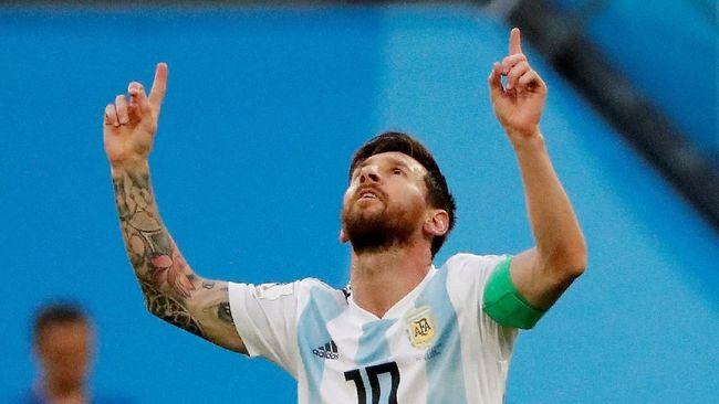 Kisah Haru Messi Gunakan Pita Merah Pemberian Wartawan