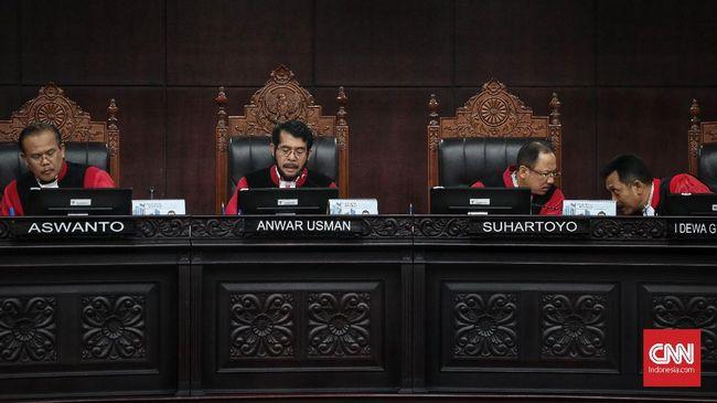 MK Tolak Gugatan Syarat Remisi Napi Korupsi