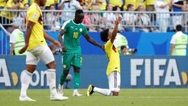 FOTO: Gol Yerry Mina Jegal Senegal di Piala Dunia 2018