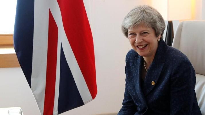 Pada Minggu, para duta besar untuk negara-negara anggota UE, tidak termasuk Inggris, telah dipanggil untuk mendorong agar kesepakatan segera tercapai.