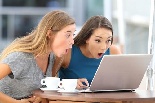Terungkap! Identitas Wanita di Meme Viral Distracted Boyfriend