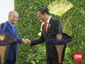 MoU Kedaluwarsa, Jokowi Minta Mahathir Lindungi TKI