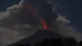 Kolom Abu Capai 2800 meter, Gunung Agung Erupsi 8 Menit