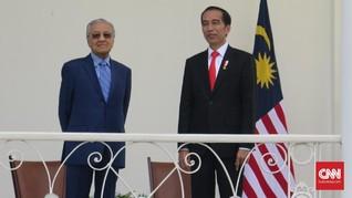 Mahathir Akan Surati Jokowi soal Kisruh Kabut Asap Karhutla