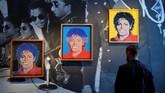 Sepanjang kariernya, Michael Jackson telah mengumpulkan belasan piala Grammy Awards, dan puluhan penghargaan lainnya. (REUTERS/Toby Melville)