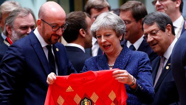 Diplomasi Piala Dunia, Saat PM Belgia-Inggris Tukar Jersey
