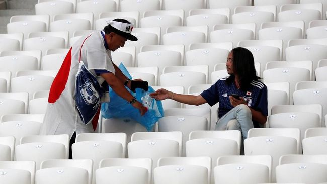 Bersih-bersih, Kebiasaan yang Sulit Diubah Suporter Jepang