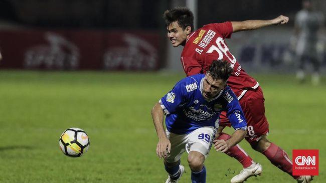 Persib Unggul 2-0 atas Sriwijaya FC di Babak Pertama
