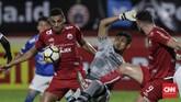Bek Persija Jaimerson Da Silva menjadi pembeda dalam duel antara dua klub perserikatan yang kerap bertemu dalam duel dengan tensi tinggi di luar lapangan. (CNNIndonesia/Adhi Wicaksono)