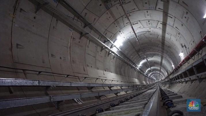 MRT Jakarta akan beroperasi Maret 2019.