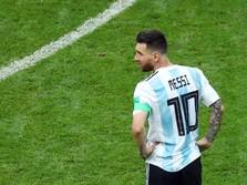 Kala Messi-nya Penjaga Gawang Mengalahkan Messi Betulan