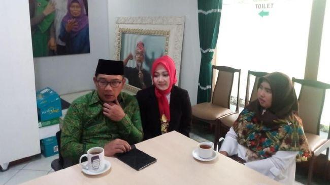 Temui Guru yang Dipecat, Ridwan Kamil Ucapkan Terima Kasih