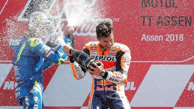Marc Marquez kini mengoleksi 140 poin, unggul 41 poin dari Valentino Rossi yang ada di posisi kedua. (REUTERS/Yves Herman)