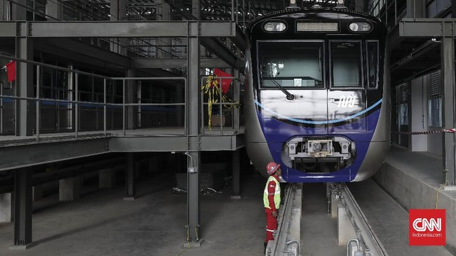 Pembangunan MRT fase 2 yang diperkirakan membutuhkan investasi Rp30 triliun, naik sekitar Rp10 triliun dari total kebutuhan awal. (CNN Indonesia/ Hesti Rika)