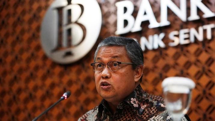 Perry Warjiyo memuji Presiden Joko Widodo (Jokowi) yang berkali-kali melakukan rapat penyelamatan rupiah.