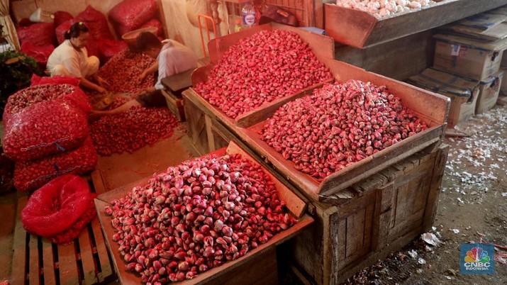 Memasuki H-2 Lebaran, berbagai komoditas cabai tercatat mengalami lonjakan harga sejak sepekan terakhir, khususnya cabai merah besar dan cabai merah keriting.