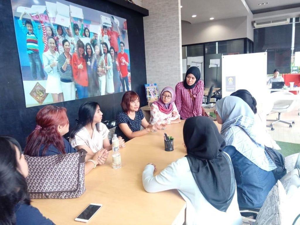 Bertempat di The Workspace, Chiang Mai, mahasiswa dan dosen vokasi komunikasi Universitas Indonesia mengikuti workshop dan magang internasional. Pool/UI.