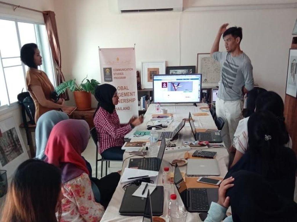 Program ini berlangsung di Chiang Mai, yang terkenal sebagai pusat industri kreatif komunikasi di Asia bersama dengan Bali. Pool/UI.